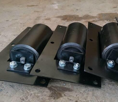 Дефлекторный ролик ленточного конвейера
